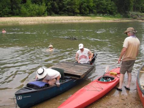 Leave it to Stream Teamers to haul a pallete in their canoe. Ai yi yi.
